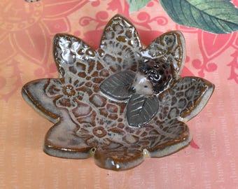 Ceramic ring holder. Hedgehog ring holder. Chopstick rest. Hedgehog chopstick holder. Lace flower spoon teaspoon rest. Teeny hedgehog plate.