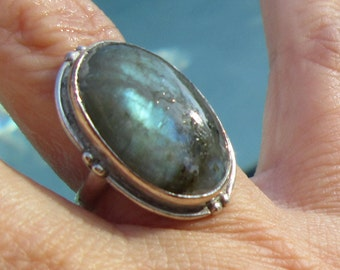 Labradorite and Sterling Silver Ring Size 6.25