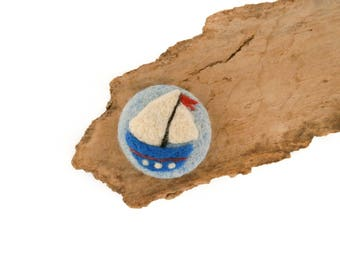Sailing boat brooch, Needle felted boat brooch, Fishing gift, Trawler brooch, Nautical jewelry, Travel gifts, Button pins, Kids jewelry