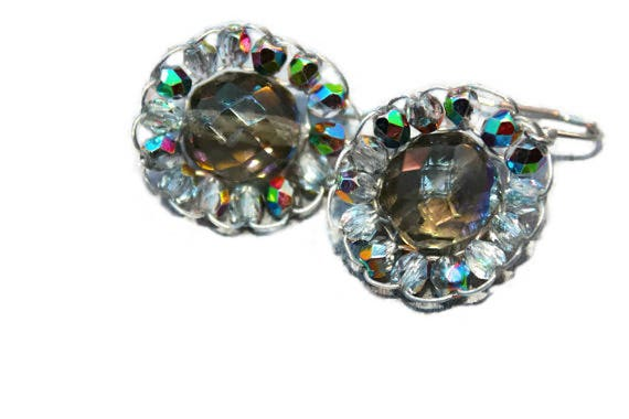 Wire crochet flower dangle drop earrings with faceted glass