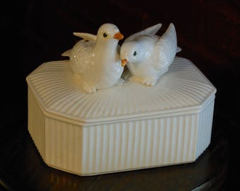 Fitz and Floyd Love Birds Trinket Box (1975)
