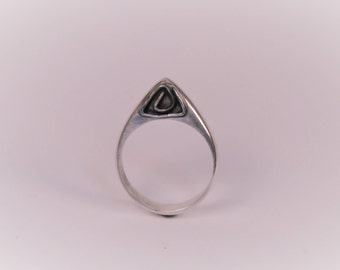 Geometric Arched Ring