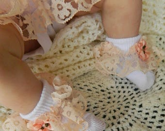 Newborn Baby   pink  ruffled lace socks  6s with white bows shoe/reborn baby dolls clothes
