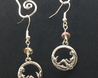 Languishing mermaid want to bask in the sun with you this summer in these great earrings!