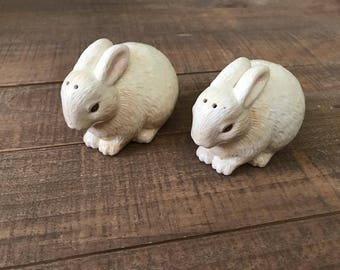 Bunny Salt and Pepper Shakers, Salt and Pepper Shakers, Bunny Kitchen, Bunny Decor