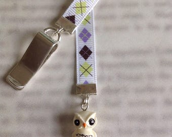 Owl Bookmark / Hedwig Bookmark / Cute bookmark  - Clip to book cover then mark the page with the ribbon. Never lose your cute bookmark!