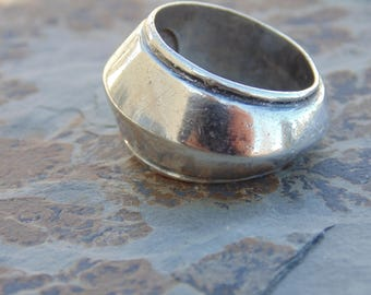 William Spratling ~ Signed Vintage Mexican Silver Carinated Band Ring - c. 1940's