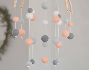 Baby Mobile wood and wool Montessori