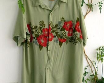 Extra long hawaiian shirt, small damage, reduced price