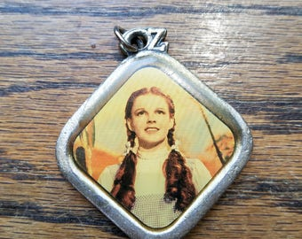 Vintage Dorothy from the wizard of oz pendant/key chain