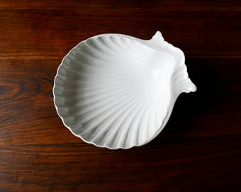 Vintage French Shell Plate-serving plates-Pair of Pillivuyt plates-Faience Shell Dish-White porcelain-Antique White Porcelain
