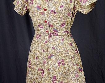 Vintage 1960s Adorable Floral Day Dress