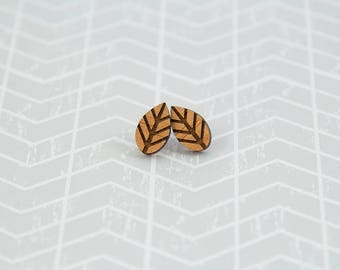 Wooden Leaf Earrings - Stud Earrings - Nature - Lasercut - Wood Earrings.