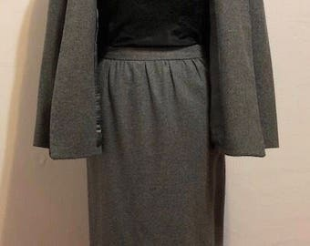 Vintage Diane von Furstenberg Gray Wool Blend Suit Set // Size Small