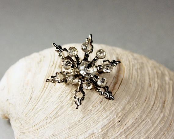 Snowflake Brooch, Clear Rhinestone, Star Pin, Silver Tone, Locking C Clasp, Fashion Pin, Costume Jewelry, Collectible