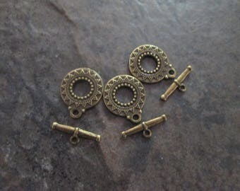 Antique Bronze Toggle Clasps with double sided ornate pattern package of 3 clasps Boho Chic toggle clasps