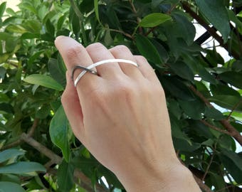 silver three finger ring, modern jewelry, double finger ring, long linear ring, big statement ring, contemporary handmade ring, minimal ring