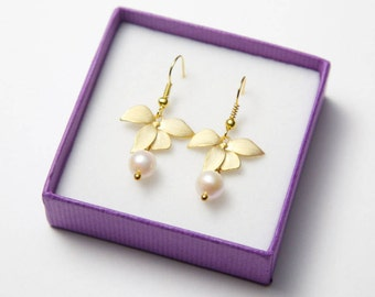 Gold Flower Earrings with Swarovski Pearls. Gold Orchid Earrings. Orchid Earrings. Gold Pearl Earrings.