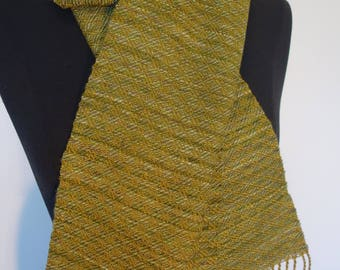 Shimmering green silk and wool scarf