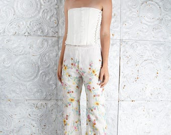 Vintage EMBROIDERED Pants Flower Bell Bottoms Hi-waisted  // VIntage Pants by TatiTati Style on Etsy