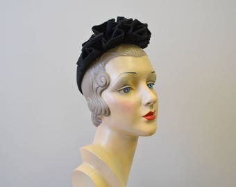 1940s Black Ruffled Wool Felt Hat