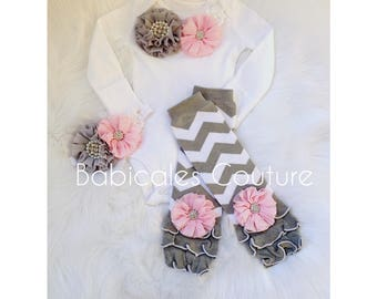 Baby Girl Bodysuit, Baby Girl Leg Warmer Outfit in Pink and Gray Chevron, Baby Leg Warmers, Pink and Gray Take Home Outfit, Baby Girl Outfit