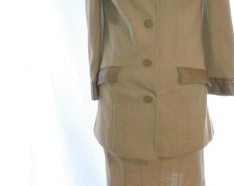 """BIG CLEARANCE SALE-70s Vintage Wool & Leather Suit-Butte Knit-Size 6-Medium-38"""" Bust-Mod-Glam-Office-Business-Career"""