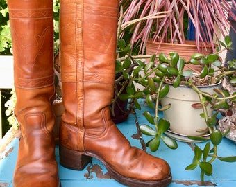 Vintage / / 1970s // Frye // Campus Boots // Women's Size 9// Cognac Leather // Steer Head Embroidery