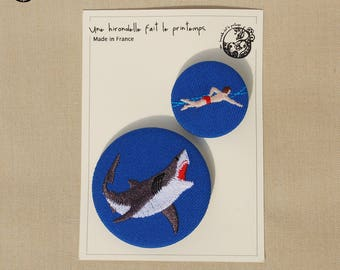 Brooches DUO embroidered, Save who can!