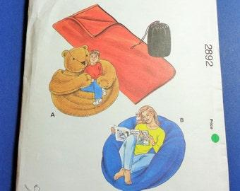UNCUT, SEALED Kwik Sew 2892 Bean Bag Chairs, Sleeping Bags and Stuff Bags  2000
