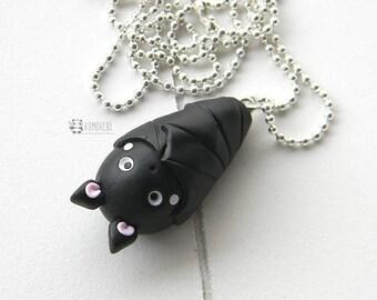 Bat bat head down, head down, necklace, necklace