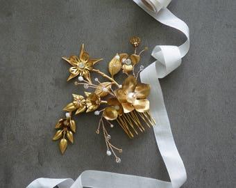 Bridal Hair comb, Rhinestones Bridal Accessories, Wedding Hair, Bridal Hair Jewelry, Gold Wedding, Bridal Hair Adornments, Bridal, Swarovski