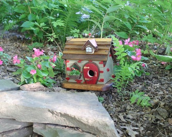 Bird House - Comfy Cottage - Handmade wood birdhouse
