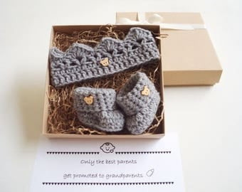 PREGNANCY ANNOUNCEMENT Pregnancy Reveal Grandparents Baby announcement Grandparent Pregnancy Reveal family New baby gift set  Crown Booties