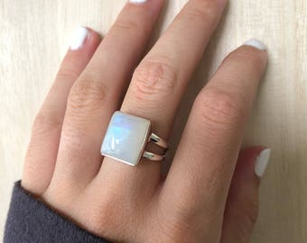 Sterling Silver Moonstone Ring. Size 7.5