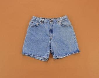 Levis Denim Shorts, Vintage Levi Shorts, High Waist Shorts, Levi Jean Shorts, 90s Levis Shorts, 90s Denim Shorts Size 12 / 13