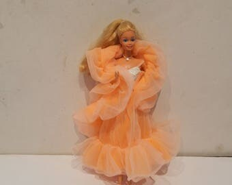 Vintage Barbie Peaches and Cream Doll Mattel 1980