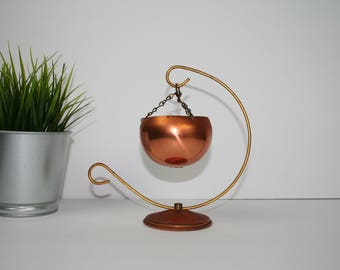 Vintage Brass  Copper Color Plant Pot Hanger, Hanging Plant holder. Air plant pot. Patina