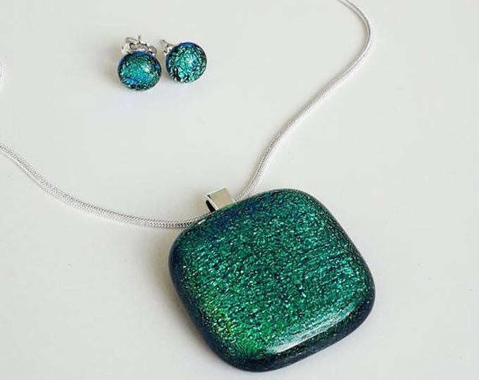 Green jewellery set, pendant and earrings in greeny-blue dichroic glass with silver findings