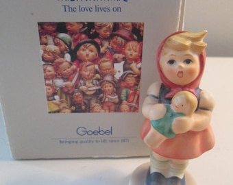 Hummel Girl with Doll 239/B