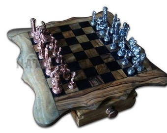 Square 30 cm olive wood with metal chess set. Olive wood chess board with metal square set