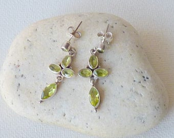 Sterling Silver Peridot Stud Earrings Vintage Peridot Stud,Dangle Peridot Gemstone Earrings, Peridot Jewelry 925 Peridot Vintage Jewelry 925