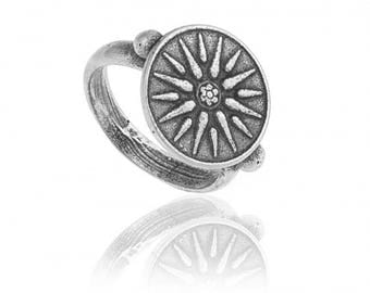 Sterling silver ring with ancient greek design the Sun of Vergina