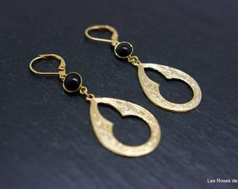 Graphic earrings, gold earrings