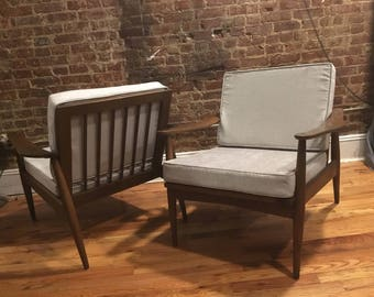 Exceptional Vintage Mid Century Modern Danish Modern Lounge Chair Pair Design Walnut  And Silver Cushions