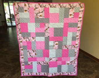 Realtree Pink Camouflage Baby Quilt