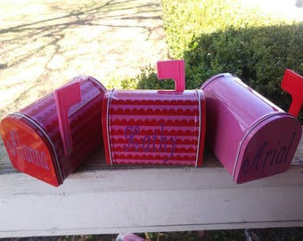 Small personalized valentine's Mailbox