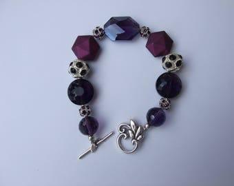 Bracelet various purple and purple beads