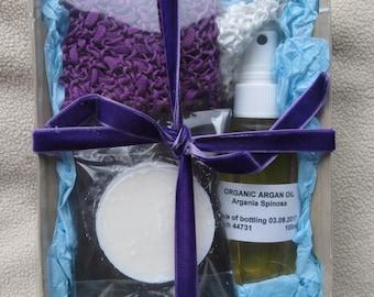 Handmade exfoliating cloths, 3 x cold process soap plus 100ml organic argan oil gift set boxed