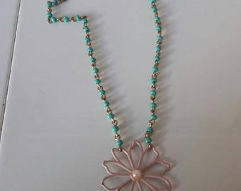 "Necklace mid-length spring/summer ""Queen Daisy"""